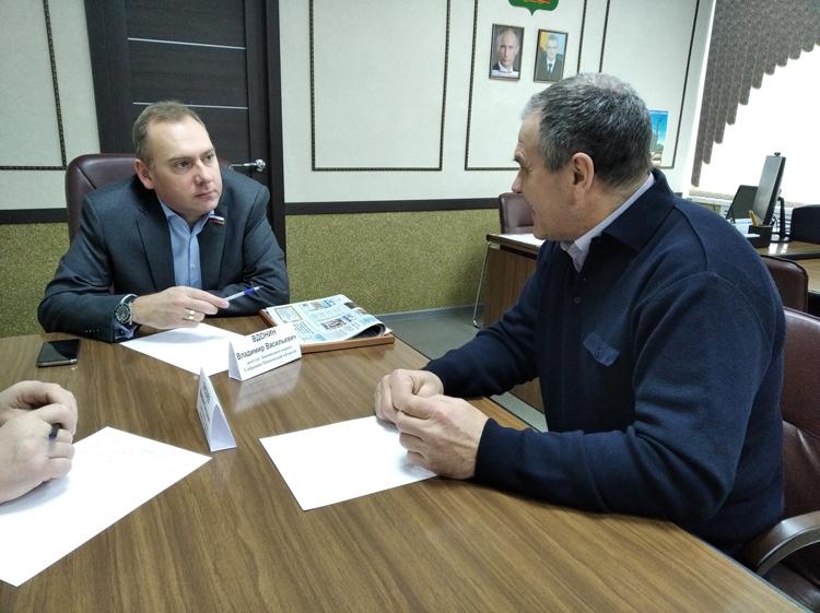 Депутат Владимир Вдонин посетил с рабочим визитом Вадинский район